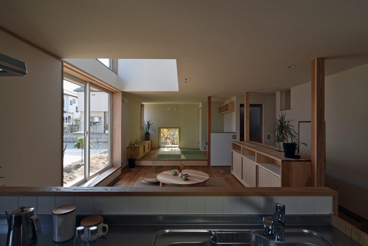 まちに潤いをもたらす、杉板の家「上新栄町の家」