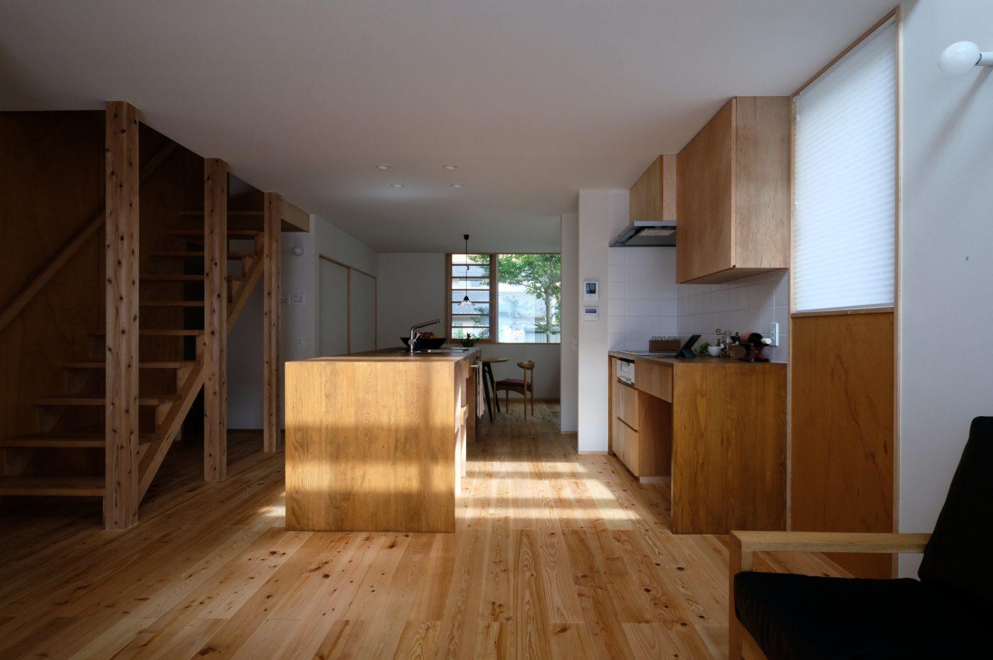 街中で緑と共に暮らす小さな家「新和の家」